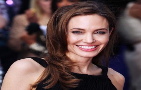 Angelina Jolie, Londra'ya