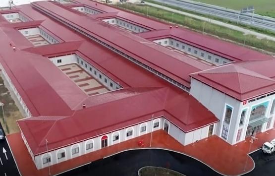 Türkiye'nin Arnavutluk'ta inşa ettiği hastane açıldı!
