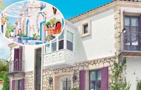 İzmir'in evlerini turistlere