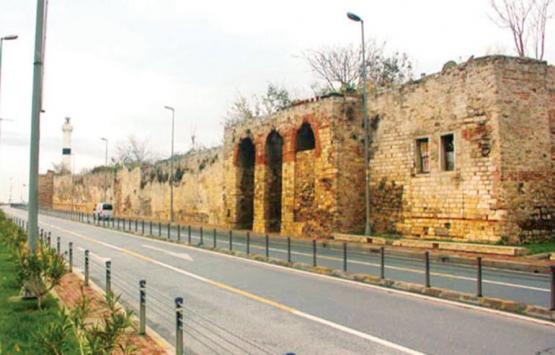 Topkapı Sarayı'nın surları