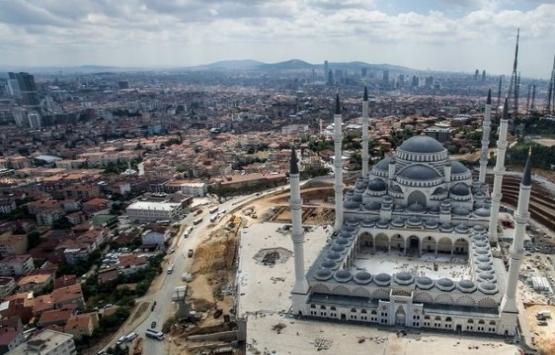 Çamlıca Camisi'nde mahya