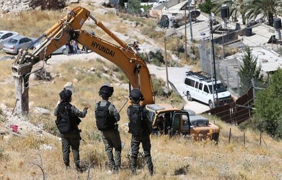 İsrail koronavirüse rağmen Filistinlilerin evlerini yıkmaya devam ediyor!