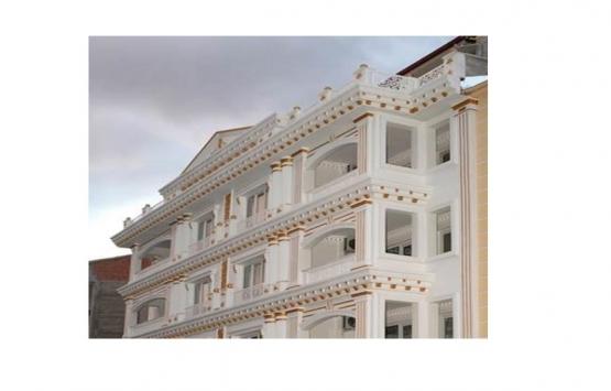 Malatya'daki altın kaplamalı apartman görenleri hayrete düşürüyor!