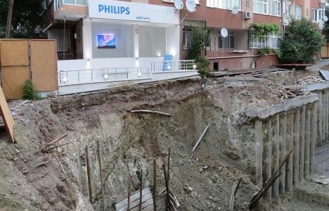 Bahçelievler'de inşaat sahasında toprak kayması!