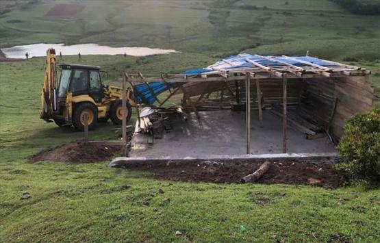 Ordu Perşembe Yaylası'ndaki kaçak yapılar yıkıldı!