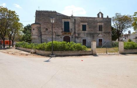İtalya tarihi binalarını satıyor!