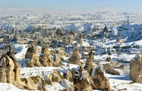 Kapadokya karlı görüntüsüyle