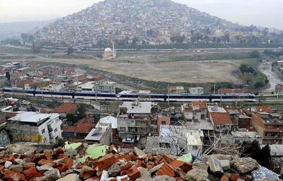 İzmir Aktepe ve Emrez mahallelerinde kentsel dönüşüm çıkmazı!