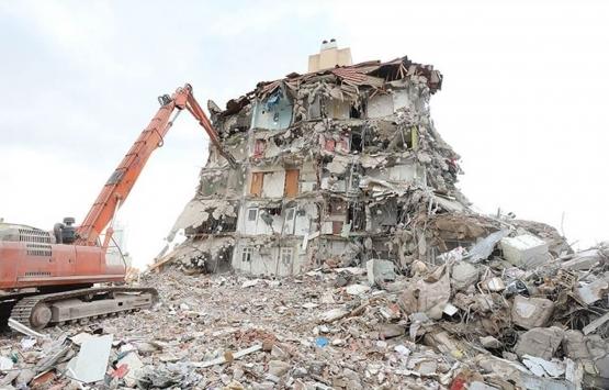 İzmir'de kredi çekemeyen depremzedeler evlerini satıyor!