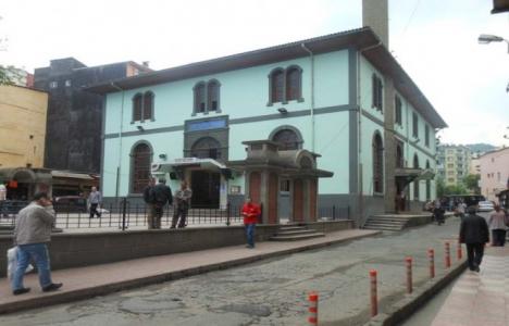 Rize'deki tarihi Orta Cami yıkılacak mı?