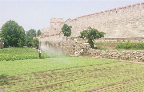 Kentler kurulurken tarım arazileri korunmalı!