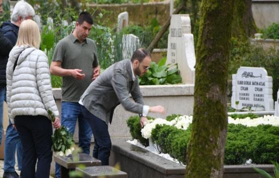 Mina Başaran'ın mezarı