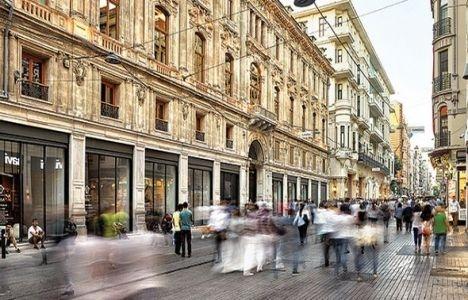 Beyoğlu'nda mağazalar hareketlenmeye başladı!