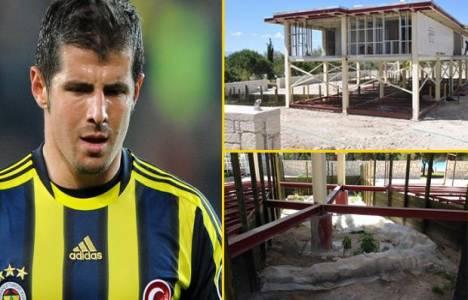 Emre Belözoğlu'nun Çeşme'deki villası temel kazılmadan yapılacak!