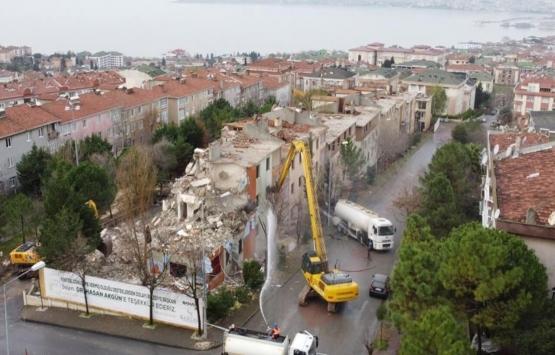Büyükçekmece'de hasarlı 9 bina yıkıldı!
