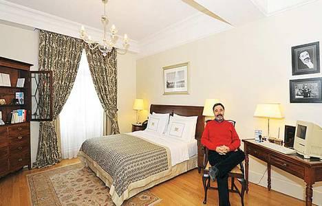 Pera Palace'ın 410 numaralı odası artık Ahmet Ümit'in adını taşıyor!