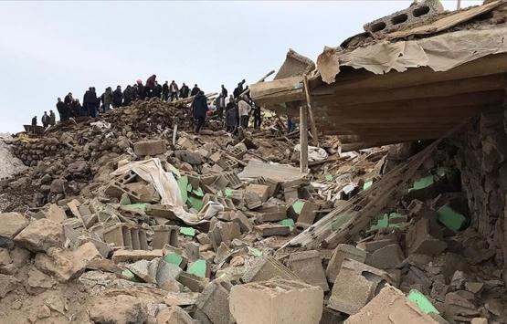 Van'daki depremde hasar gören ev sahipleri için kalıcı konut inşaatına başlanmalı!