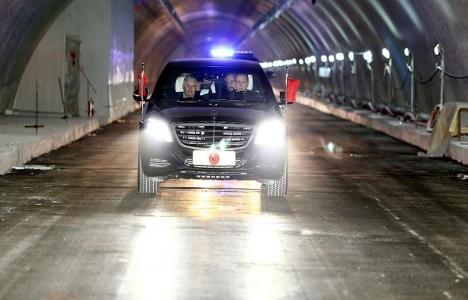 Cumhurbaşkanı Erdoğan, Avrasya Tüneli'nde ilk geçişi yaptı!
