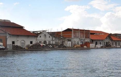 Konak Pier'deki tadilat çalışmaları devam ediyor!
