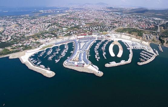 Viaport Marina, mega