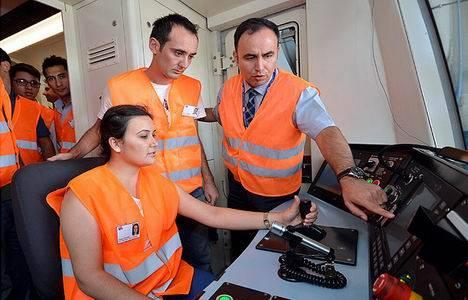İzmir Metro A.Ş., İŞKUR ortaklığıyla tren sürücülüğü derslerine başladı!