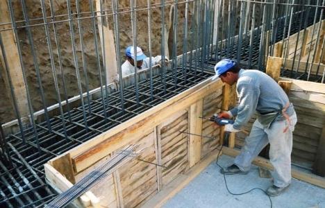 Kasığına demir saplanan inşaat işçisi öldü!