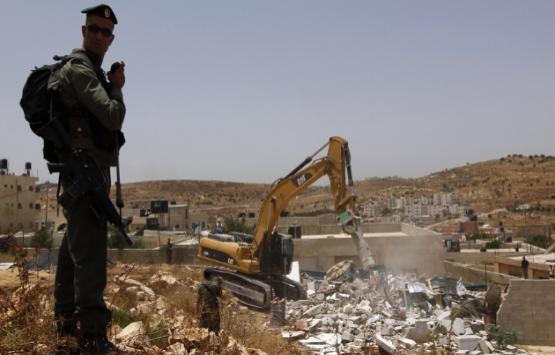 İsrail, Ağvar'da Filistinlilerin evlerini yıktı!