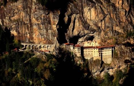 Tarihi Sümela Manastırı'na