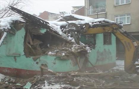 Sinanbey'de metruk binalar yıkılıyor!