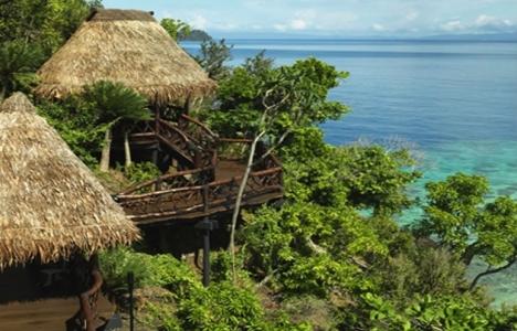 Fiji Koro Adası'nda 50 ev yıkıldı!