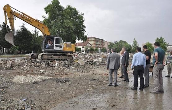 Gölcük Sanayi Çarşısı'ndaki yıkımlar tamamlandı!