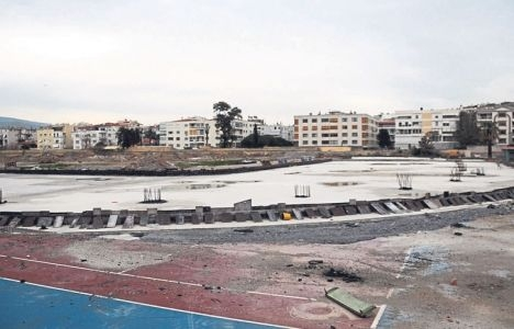 TOKİ, Karşıyaka Stadı'nı