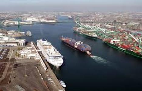 Mersinli iş adamlarından yeni konteyner limanı talebi!