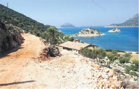 Antalya'daki kaçak yapılar neden yıkılmıyor?