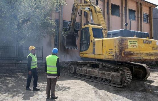 Van'da 80 milyon lira bütçeli sosyal projede ilk kazma vuruldu!