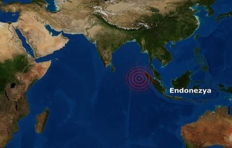 Endonezya'da 6.2 büyüklüğünde yeni deprem 76