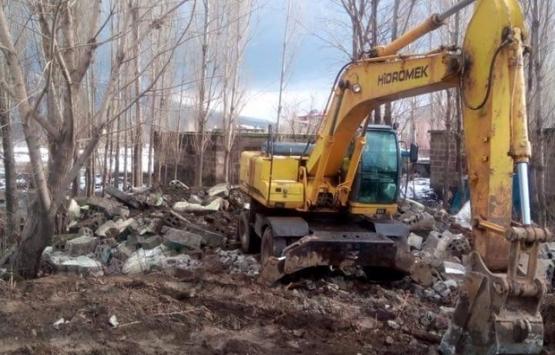 Bitlis Güroymak'taki 38 metruk bina yıkıldı!