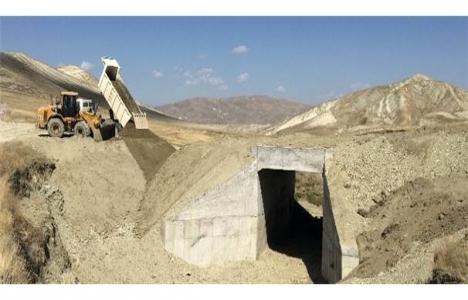 Erzurum'da kırsal mahalle yolları yenileniyor!