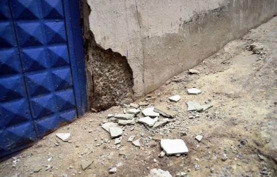 Esenler'de çatlaklar oluşan bina boşaltıldı!