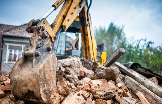Rize'de kentsel dönüşüm projesi kapsamındaki yapılar yıkılıyor!