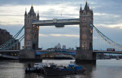 Londra'nın simgesi Tower