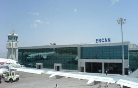 Ercan Havaalanı'nda askere