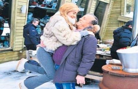 Ali Ağaoğlu kızı ve eşiyle Uludağ'da buluştu!