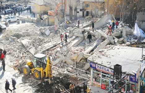 Kentsel dönüşüm kapsamındaki binaların yıkımları endişe yaratıyor!