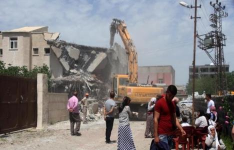 Şırnak İdil'deki hasarlı 600 ev yıkılıyor!