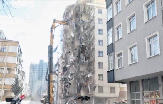 Kartal'da çöken binanın yanındaki Yunus Apartmanı yıkılıyor!