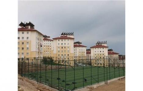 Edremit Belediyesi'nden Yeni TOKİ Konutları'na spor sahası!