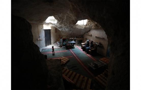 İsrail'in yıkımları Filistinli ailelerin zorunluluktan mesken tuttuğu mağaralara ulaştı!