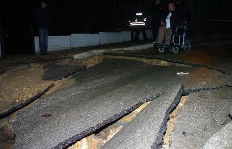 Bolu'da su hattı patladı, iki ev zarar gördü!