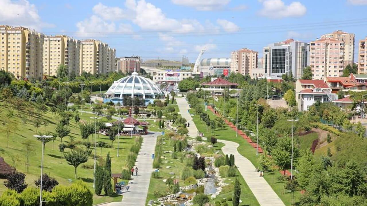 Başakşehir'in çevreci ve akıllı belediye binası 29 Ekim'de açılacak!